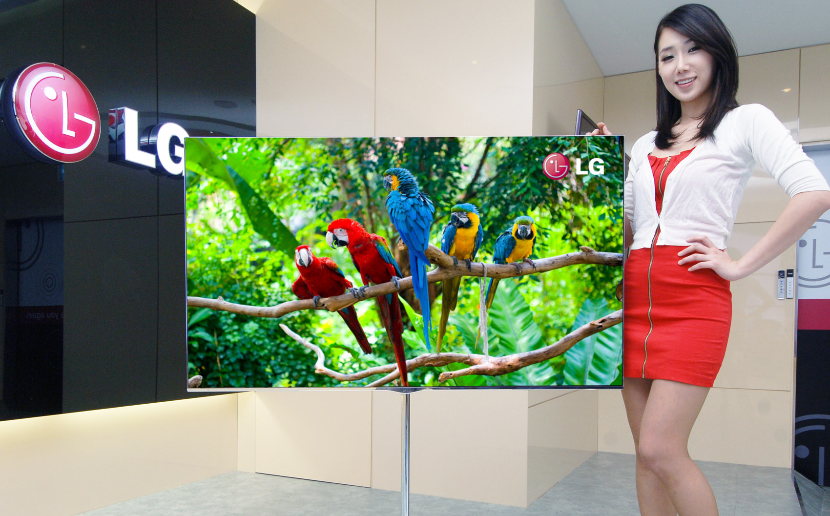 New LG OLED TV - 55 inches launched in Korea